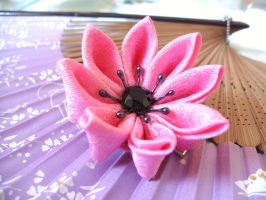Pink love kanzashi by elblack