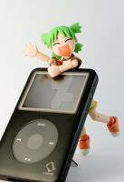 Yotsuba and iPod by SaiogaMan