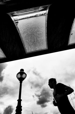 A runner by The Thames by pavboq