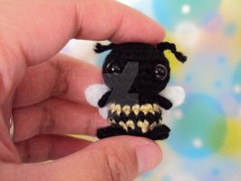 Birthday Present - Wee Bee for Mom by altearithe