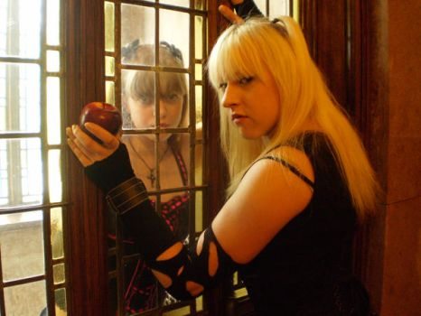 Misa Reflection by UsagiHikaru