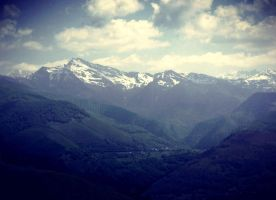 Pyrenees by anneclaires