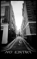 London - No entry by matmoon