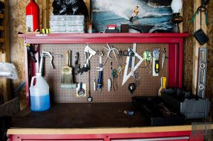 Some tools and a picture by Naqphotos