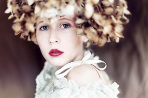 flower girl iii by farbanomalie