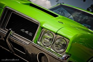 green Olds 442 by AmericanMuscle