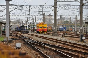 Platforms and Tracks by Otone