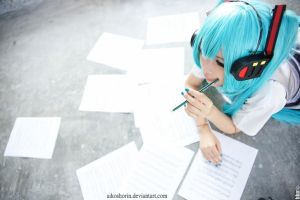 Miku.Thinking by AikoShorin