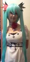 Miku cosplay by AmzzCullen