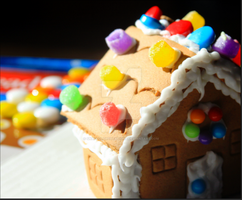 Ginger-bread-house by SnapColorCreations
