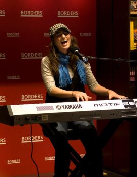 Sara Bareilles at Borders by usagicassidy