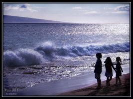 Maui - Children and the surf by Recalibration
