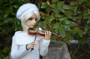 Playing Violin by matschristiana