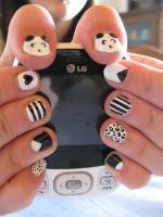 Black and White Nails (With Pandas) by oMARUo