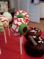 Eyeball Cake Pop by Fledim