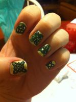 Celtic Knot Nail Art by ineedacat9