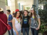 Thor + Turkish Girls at a Sci-Fi Con by shlomif