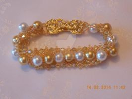 Glass pearl and crystal beaded bracelet by Quested-Creations