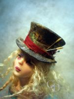 Alice  hatter hat by cdlitestudio