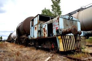 Abandoned train by Toun57