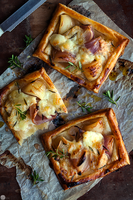 Onion and Cheese Puff Tarts by spondii