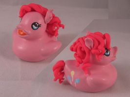 Pinkie Pie Duck by spongekitty