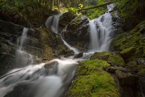 Cascade Creek Falls by jasonwilde