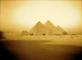 Les pyramides by lamayoush