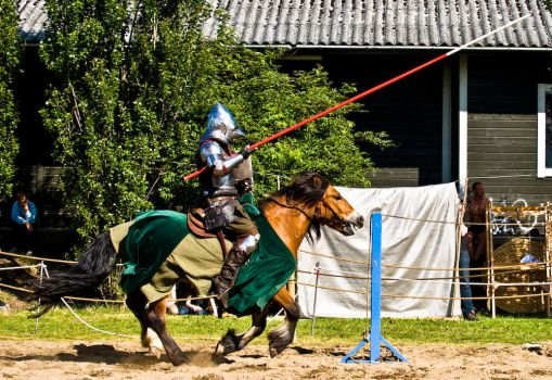 Knight Jousting by Utilikiltarian