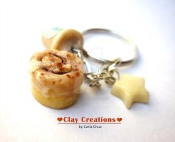 Cinnamon roll, Starbucks drink and star keychain by phoenixcarla