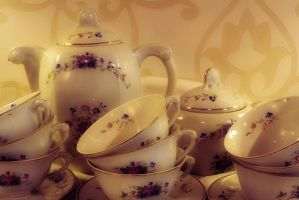 Tea Pot 'n' Cups by t1nus