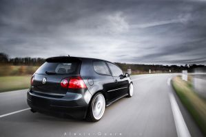 Golf V GTI by alexisgoure
