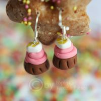earrings - cake by topinka