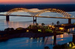 The I-40 Bridge in Memphis, TN by voodoogmr