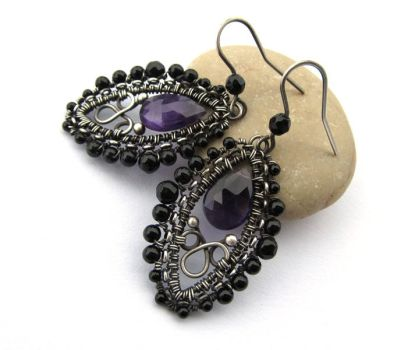 violet and black earrings by annie-jewelry