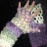 Dragon Scale Wristwarmers -  Free Pattern by MidknightStarr