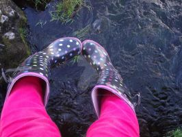 My Feet Over The River. by LumpySpacePrincess11
