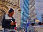 Girl texting outside of Fine Arts Palace. by photo-tlacuilopilo