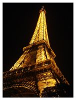 - eiffel tower - by robertodecampos