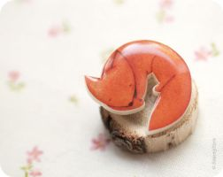 Sweet Foxy brooch by BeautySpotCrafts