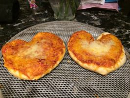 Heart Pizza by Rose15r15