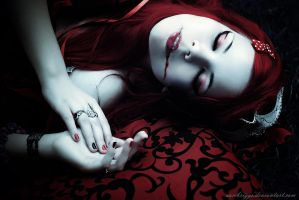 Vampire Newborn III by SamBriggs