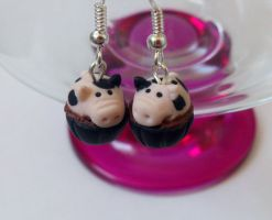 Pig earrings commission by RoOsaTejp