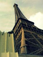 Tower of Eiffel by Kittaaay