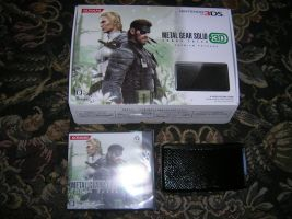 Console bundle 3DS Metal Gear[1] by ninjamaster76