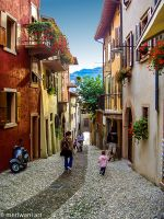 Narrow alley Tuscany 071471 by meriwani