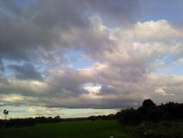 Shot of the sky by GoldenDani