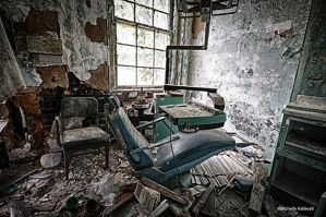 Dental Chair 1 by pewter2k