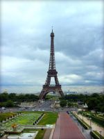 Tour Eiffel by LaLiLuLeLooo
