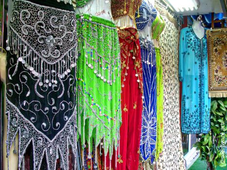 Clothes shops Dubai 051435 by meriwani